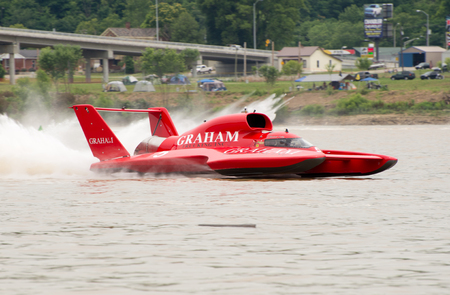 madison: Madison, Indiana  - July 2, 2016:  J. Michael Kelly drives the Graham Trucking U-5 in the Morgan Foods Unlimited Heat 1B at the Madison Regatta in Madison, Indiana, July 2, 2016. Editorial