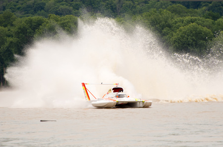 unlimited: Madison, Indiana  - July 2, 2016:  Andrew Tate drives the Jones Racing U-9 in the Morgan Foods Unlimited Heat 1B at the Madison Regatta in Madison, Indiana, July 2, 2016.