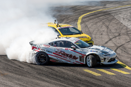 Orlando, Florida – April 28, 2018:  Drivers compete in Round 2 of Formula Drift in Orlando, Florida, on April 28, 2018. 에디토리얼