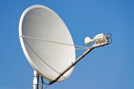 Parabollic Antenne satelliet signaal te ontvangen Stockfoto
