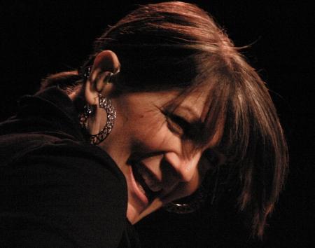 キャシー Mattea は、彼女の音楽の魔法を実行します。 写真素材 - 17227621