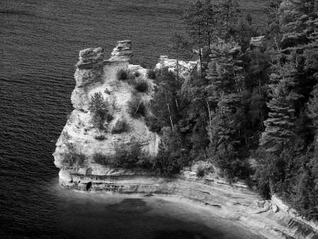 Los colores brillantes pintar la l�nea de costa de Pictured Rocks National Lakeshore en el Lago Superior