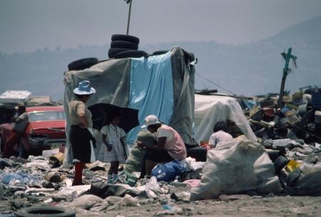 メキシコシティ ガベージ ダンプ村の住民。