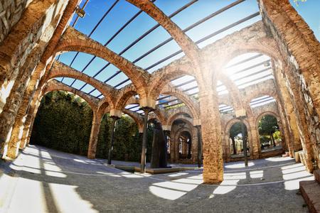 Overblijfselen en ruïnes van Romeinse thermale baden in Barcelona, Spanje.