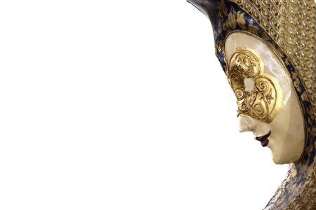 Authentiek Venetiaans masker van een Carnaval-festival tegen een witte achtergrond. Lege kopie ruimte voor tekst-editor Stockfoto