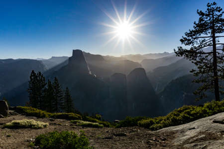 Yosemite sunrise halfdome