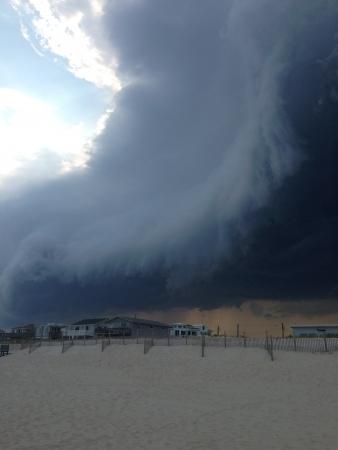 porno: Verr�ckte Wolken, die �ber den Strand