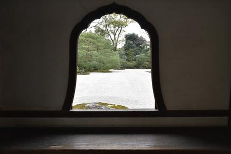 window in kennjinji garden 写真素材