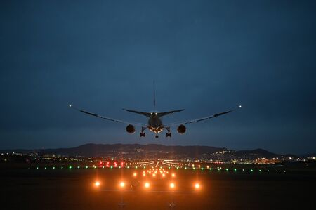 night touch down at itami airport