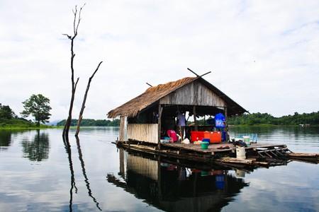 floating house onthe lake photo