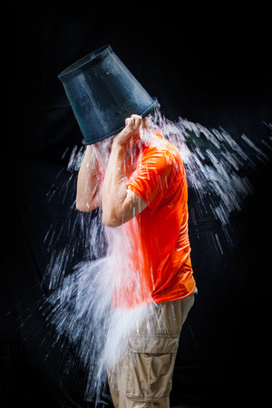 gehrig: man pour a bucket of ice, put yourself on a black background