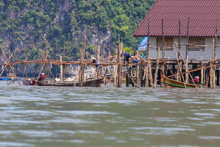 panyi: The houses are built in the sea south of Thailand.
