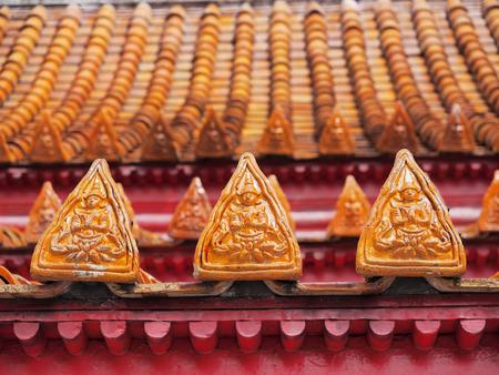 rooftile: Pregate art design angoli, chiamato Thep Panom, l'arte tailandese unico, al tetto del tempio di marmo, Bangkok, Tailandia