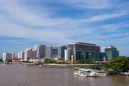 shool: Siriraj hospital is the first hospital and medical shool in Thailand, placed at the West bank of Chaophya river. This view is from Pinklao bridge. Editorial