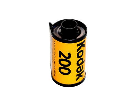 BANGKOK, THAILAND - SEPTEMBER 30, 2014: Used Kodak 200 film badge isolated on white background. In film photography era, Kodak film is the most favorite film for worldwide photographer. 新聞圖片