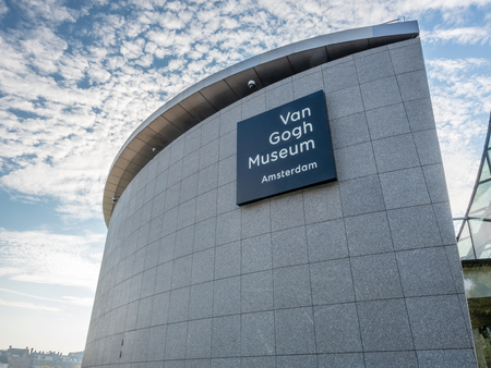 AMSTERDAM - OCTOBER 3: Van Gogh museum building outstanding with design architectured in Amsterdam, Netherlands, on October 3, 2015. 에디토리얼