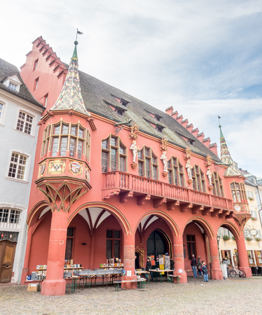 freiburg: FREIBURG - OCTOBER 10 : Corridor and statues of Historisches Kaufhaus (Historic building) in Freiburg, Germany, on October 10, 2016.