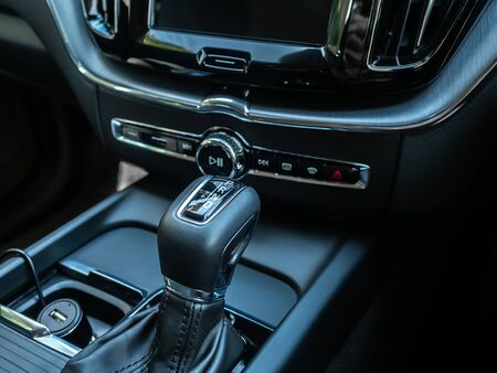 BANGKOK, THAILAND - JANUARY 1 : Gear box in luxury design in Volvo car new model in Bangkok, Thailand, on January 1, 2019. 스톡 콘텐츠 - 136920634
