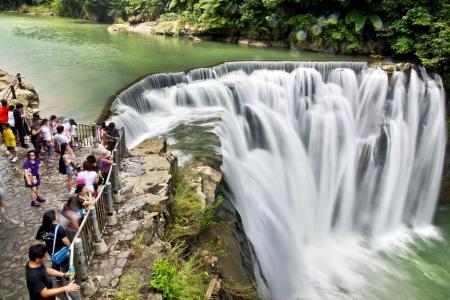 Taiwan Shifen Waterfall Zdjęcie Seryjne - 18370217