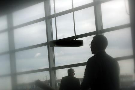 diffusion: passeggeri l'aeroporto di Francoforte. Girato con Cookin filtro diffusore