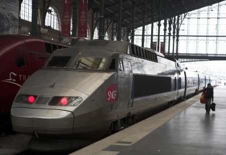 TGV in Paris in 2006 Banque d'images - 11748262