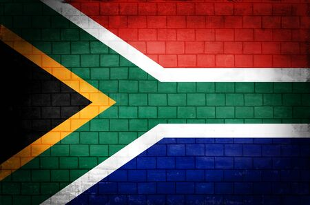South African flag painted on an old brick wall Standard-Bild - 131839029