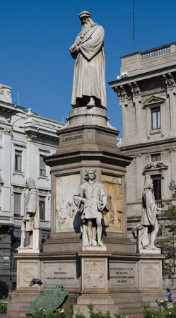 Statue of Leonardo de Vinci in Milan Stock Photo - 1576793