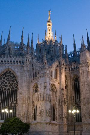 밀라노 대성당 밤입니다. 스톡 콘텐츠
