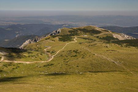 h�tte schnee: Pfad auf Schneeberg Hill in Alpen, �sterreich, Europa