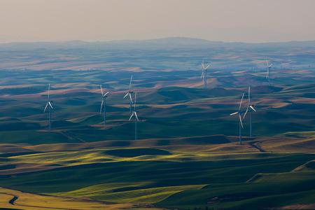 wind farm: A wind farm in the Palouse region of Washington