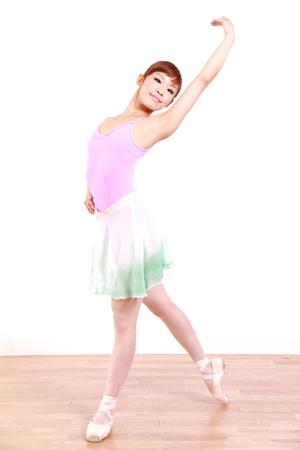 日本人女性のダンスのバレエ 写真素材