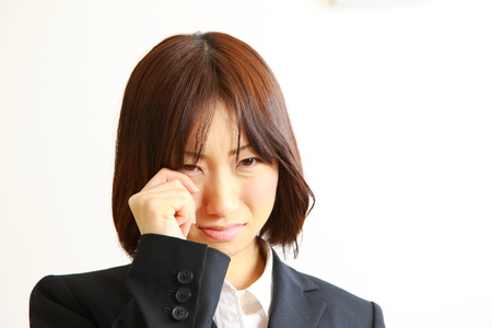 cries: businesswoman cries