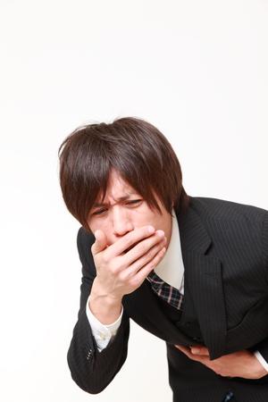 vomito: hombre v�mitos