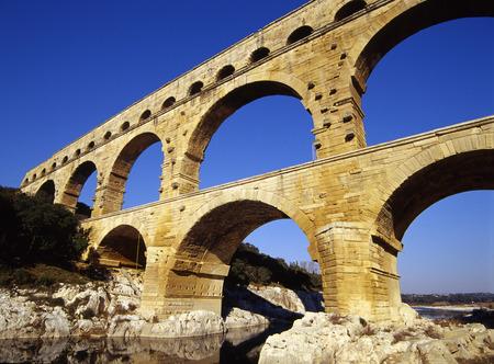 du: Pont du Gard