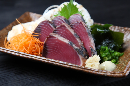 lightly-roasted Bonito Sashimi