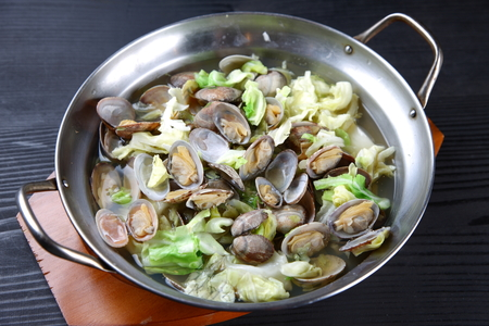 Asari Clams Steamed in Sake Фото со стока