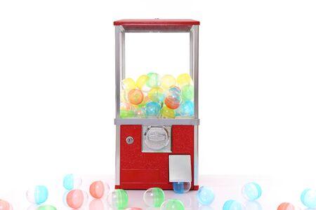 capsule toy vending machine isolated on white Foto de archivo