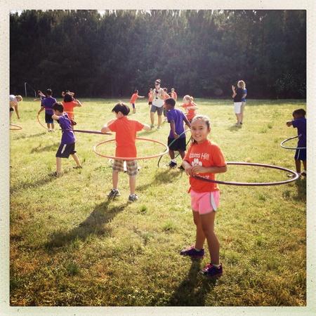 Los niños de primaria en el día de la actividad Foto de archivo - 28275007