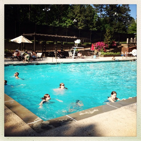 Suburbane omgeving zwembad Stockfoto