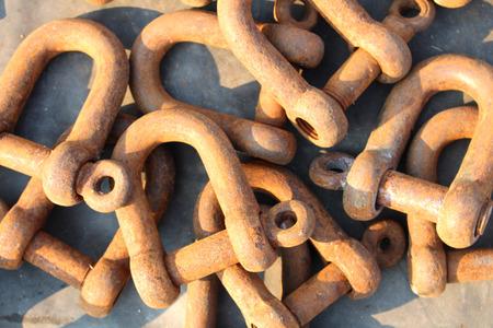 rusty chain: chain rusty
