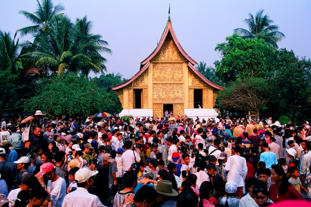 stumble: Wat Xieng Thong Water Festival Lao New Year Festival Grandmother, grandfather, Peter Baer