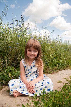 friendless: Young girl at rural road