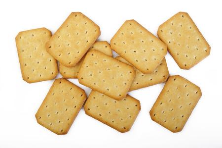 galletas integrales: galletas aisladas sobre fondo blanco