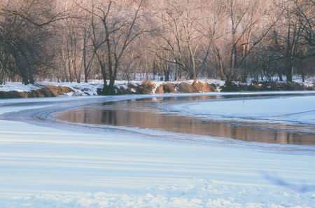 minnesota woods: Picturesque winterscape along the Rum River in central Minnesota. Stock Photo