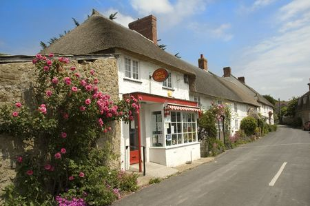 Abbotsbury post office, and thatched cottages