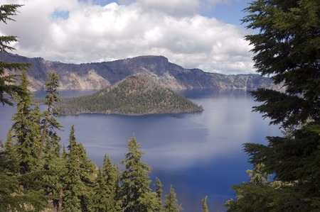 crater lake: Wizard island and the caldera of Crater Lake, Oregon