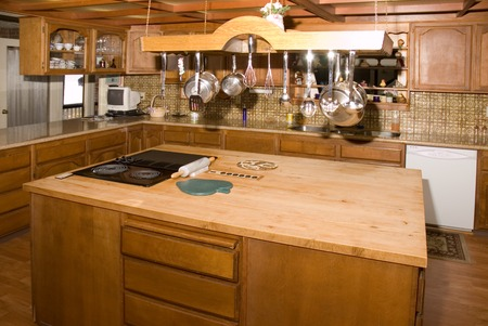 Modern country kitchen in a large home in Oregon Stock Photo - 1525331