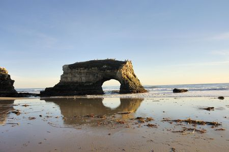 sinlight: The natural bridge that gives its name it the park of the same name in Northern Clifornia