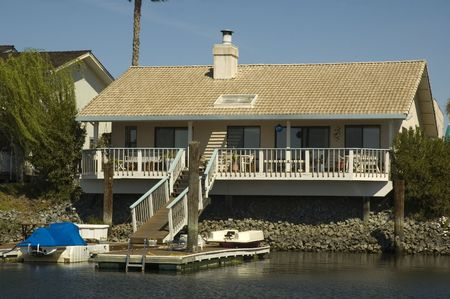 california delta: smaller home in a housing commuinity in Northern California with waterfront access to the delta