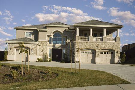 high end: Nueva gama alta del tracto casa hogar en el norte de California